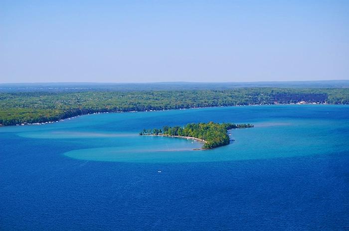 Higgins Lake Lakefront Property Listings